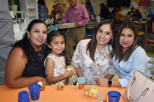 23102019 EN UN BABY SHOWER.  Idalia, Fernanda, Fabiola y Ana.
