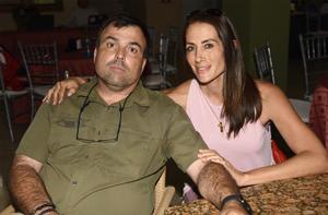 23102019 EN EL CLUB.  Vicente y Ana Lorena.