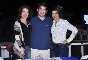 24102019 Ana Gaby Segura, Ladislao Medina y Graciela Alonso.