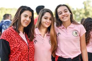 24102019 Renata Martínez, Regina Pérez y Eleonore Clerc.