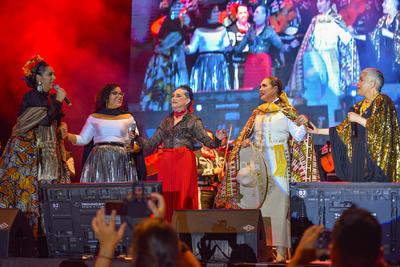 Un popurrí con mariachi fue el último regalo que las mujeres de Chavela Vargas regalaron a los bohemios y a las almas rotas.