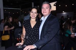 25102019 Guillermo Salmón y Mary Gaby Gómez.