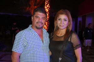 25102019 Mauricio y Rosalinda.