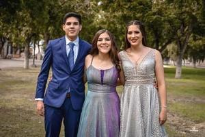 28102019 HERMANOS.  Daniel, Fabiola y María Fernanda Bocanegra Ramírez.