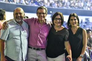 27102019 EN UN CONCIERTO.  Martín, Manuel, Dulce y Cecilia.