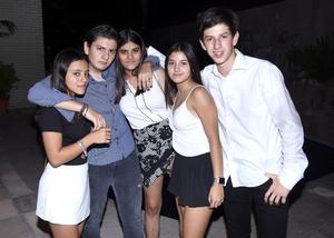 28102019 EN UNOS QUINCE.  Óscar, Valeska, Isabella, Ale y Diego.