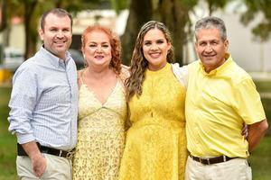 27102019 EN FAMILIA.  María Elena Rendón de Escudero y Alfonso Javier Escudero Montelongo, con sus hijos, Gabriela Elena Escudero de Castañeda y Alfonso Javier Escudero Rendón.