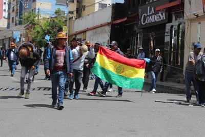 Sectores de la capital boliviana se sumaron al paro cívico indefinido.