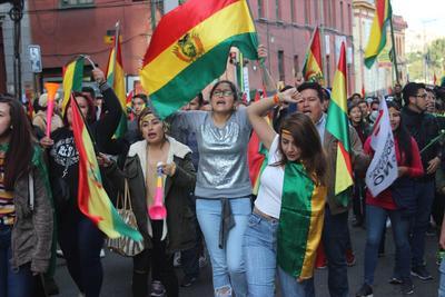 Son en favor y en contra de Evo Morales.