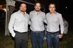 29102019 ENTRE AMIGOS.  Julián Alba, Jorge Dávila y Jorge Batarse.