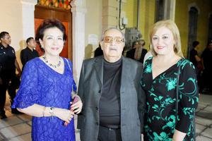Martha, Roberto y Rosa Elena