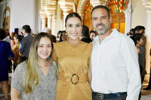 Pilar, Gaby y Luis David