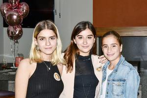 Frida, Angela y Maria.