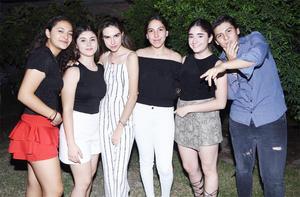 Emilia, Camila, Marla, Jessi, Jimena y Oscar