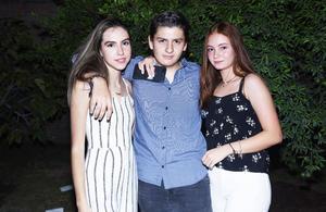 Marla, Oscar y Ana