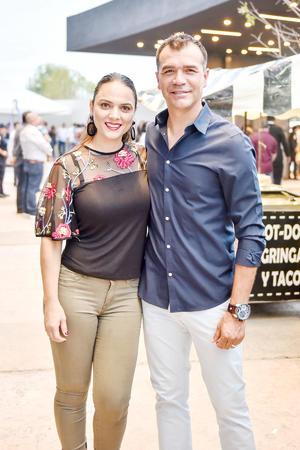 Monica Lopez y Jared Borguetti.
