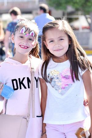 Camila y Greta.