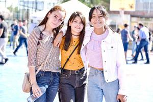 Camila,Victoria y Alitza.