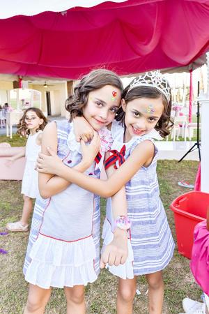 Cuauhtemoc Estrella Gonzalez y Alejandra Luna de Estrella.