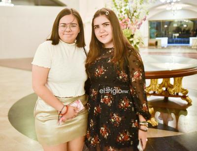 Angela y Camila.