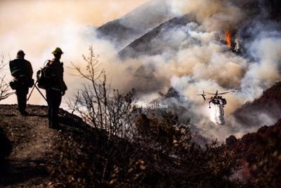 En Los Ángeles los pronósticos son poco alentadores: El Servicio Meteorológico Nacional ha advertido de que los vientos que azotarán esta noche la región serán los más fuertes de la temporada con ráfagas de hasta 128 kilómetros por hora.