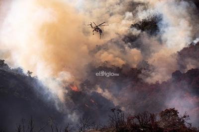 La emergencia para el norte de California es aún mayor, donde las autoridades informaron de que otro incendio, el fuego Kincade, ya ha consumido 30,519 hectáreas y ha destruido 123 estructuras, incluidas 53 casas.