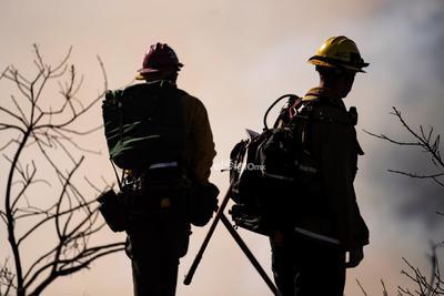 Casi 156,000 personas permanecen fuera de sus domicilios en el condado de Sonoma.