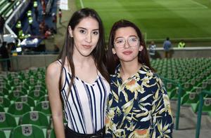 30102019 EN EL ESTADIO.  Sabrina Alba y Paola Galindo.