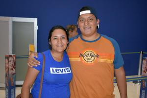 30102019 Karla y José.