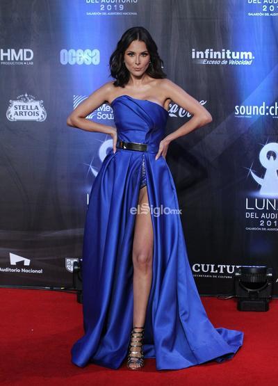 La actriz Ale García posa en la alfombra roja de los premios Las Lunas del Auditorio 2019.