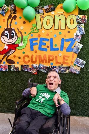 31102019 RECIBE FELICITACIONES.  Toño Flores de la Fuente cumplió 73 años de edad.