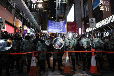 Las autoridades desplegaron más de tres mil agentes antidisturbios y tres cañones de agua.