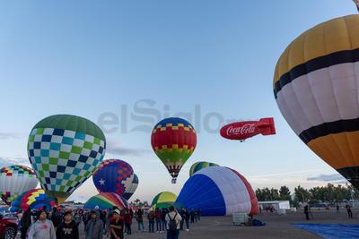 La localidad ofreció unas condiciones climatológicas propicias para que se desarrollara el Sky Fest plenamente y sin contratiempos.