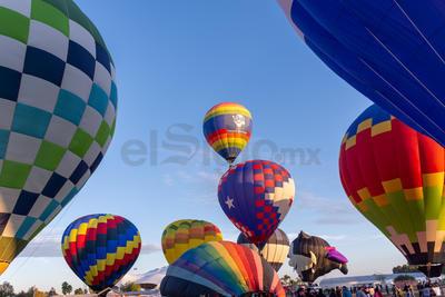 Diferentes colores y formas se encontraron en los globos que forman parte.