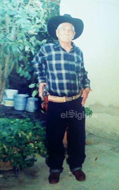 Don Santos Reyes en Tayahua, Zacatecas. Décadas atrás.