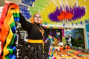 04112019 Miss Tania Esquivel, coordinadora del altar.