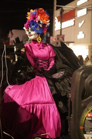 03112019 María José engalanando el tradicional desfile.