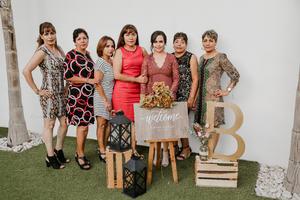 02112019 La festejada acompañada por Isaura Galarza, María de Jesús, Laurita, Elvira Galarza, Gabriela Galarza y Graciela Galarza.