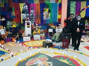 02112019 Altar en honor a Frida Kahlo y Diego Rivera.