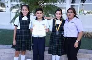 04112019 Ivania, Diego, Leonardo y Andrea; asesor: miss Elizama. Proyecto ganador: Nanoprotector.