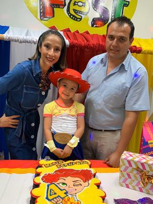 03112019 CELEBRACIóN DE CUMPLEAñOS.  Carla y Leo festejando la vida de María Fernanda.