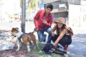 05112019 Juan Carlos y Rosario con Hunter y Benji.
