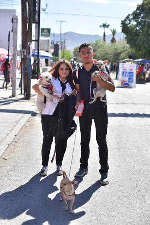 05112019 Cristina, Josefh Carlos con Trixie, Chispita y Baby.