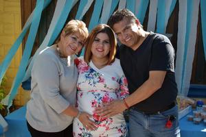 06112019 BABY SHOWER.   Karla Balderrama pronto será mamá por lo que fue felicitada por Paty y Ernesto.