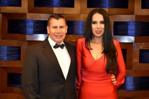 06112019 Javier y Angélica.
