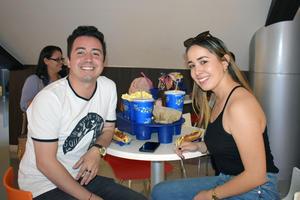 06112019 Miguel Ángel y Pamela.