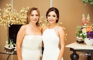 09112019 Diana acompañada de su mamá, María del Socorro Mares González.