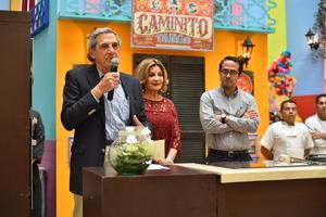 11112019 Eduardo Murra Marcos, Nuri Farrus de Murra y los chefs invitados agradecieron la asistencia.