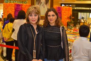 09112019 MUY CONTENTAS.  Alicia y Sofía.