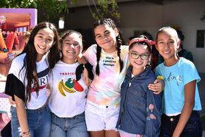 09112019 DIVERTIDA KERMÉS.  Mariana, Pamela, Ana Pau, Ximena y Deyra.